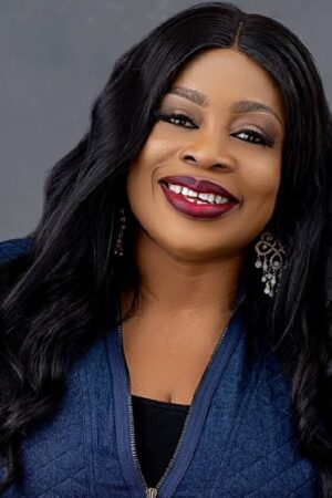 Sinach-for-Dove-Awards-e1597360253902